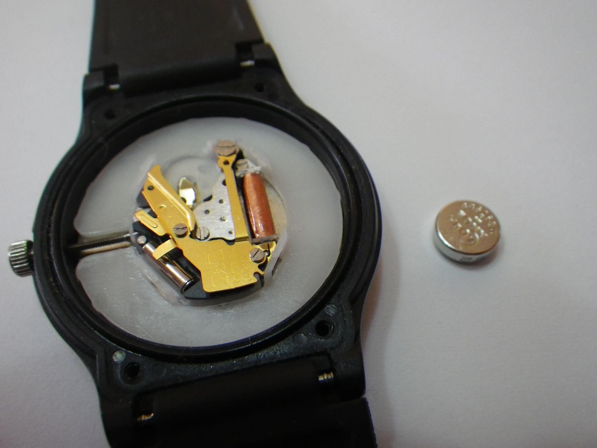 交換 腕時計 やり方 電池