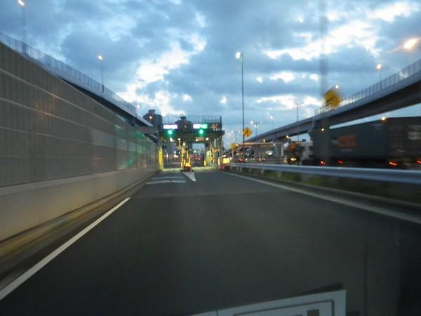 湾岸自動車道