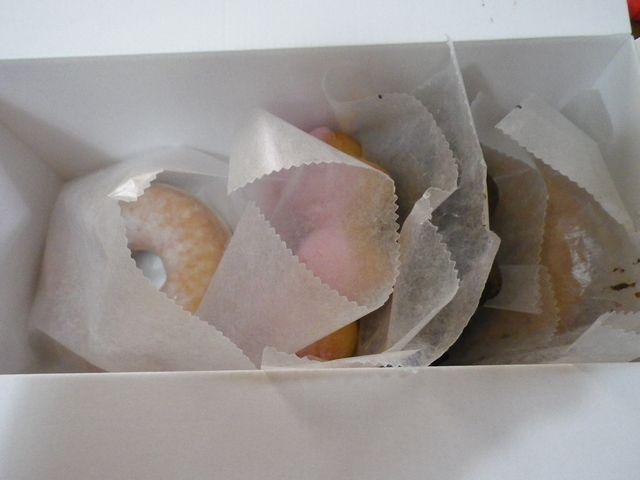 ローソンレジ横100円ドーナッツ