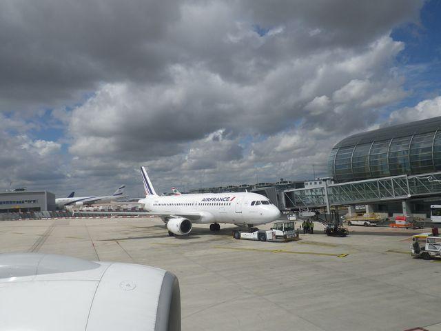 パリ Charles De Gaulle空港