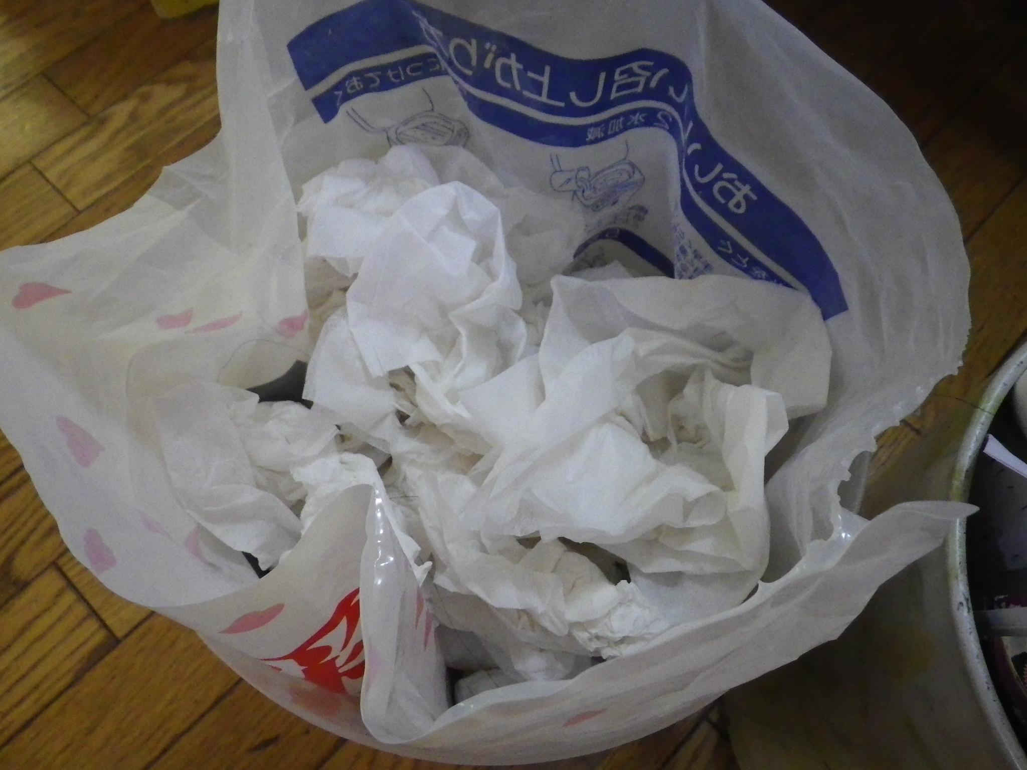 ゴミ箱はテイッシュ専用のゴミ箱を作っておくと、役に立つって知っている?
