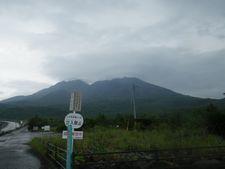 雨の桜島を自転車で走る・・・【 恐怖の火山灰 】