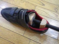 【シューズストレッチャー】で脚の痛い靴幅を広げる!!