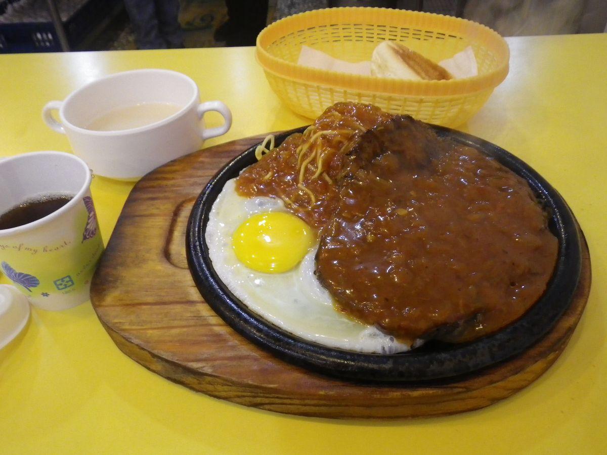 台湾遠征DAY1:今日の宿は宜蘭市、ディナーは牛排!