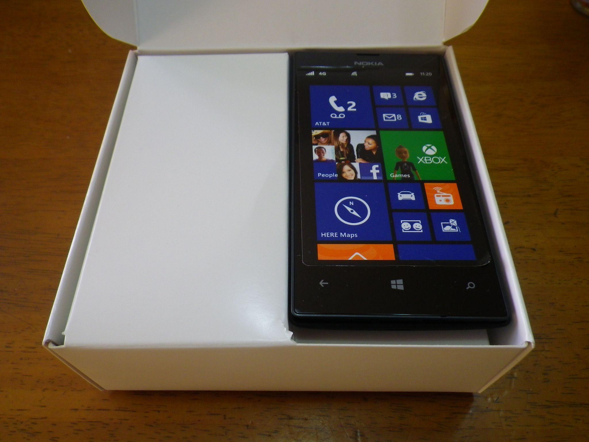 ノキア Lumia 520:開封の義!【格安Windows Phoneの各部をチェック】
