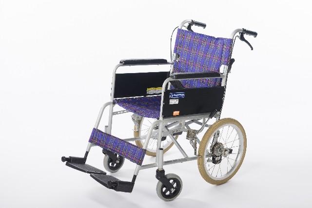 車椅子のパンク修理とタイヤ交換の方法 【自転車屋さんでは断られるかも】
