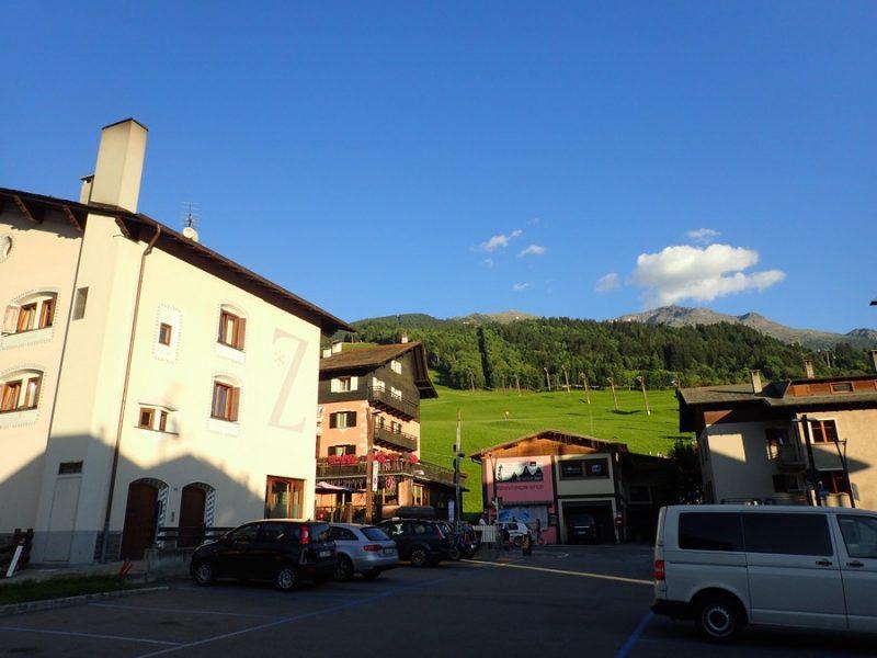 ミラノ→北イタリアリゾート「ボルミオ」へレンタカーでGO