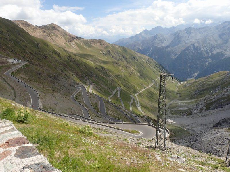 【ステルビオ峠 Passo Stelvio】をレンタカーでドライブ!